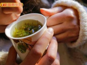秋燥先润肺有秘方 西洋参茶饮缓解气喘