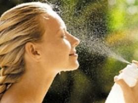 补水喷雾怎么用对护肤好