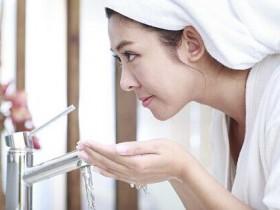 这样洗脸,六十岁都没皱纹!只要简单步骤!!快点转给身边的女人看吧