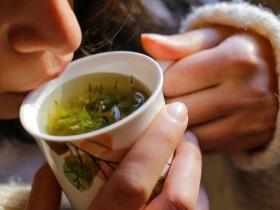 去掉慢性疲劳 养肝茶饮、按穴道缓解