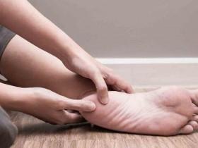 腰酸背痛是膀胱经不通 3招舒通筋络、缓解不适