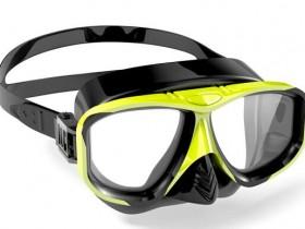 戴隐形眼镜能不能游泳?