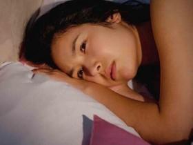 完事失眠睡不好不仅记忆力会变差、易发胖,10大病症也与它有关