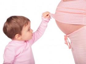 怀孕时,为什么母亲的免疫系统不会排斥胎儿?