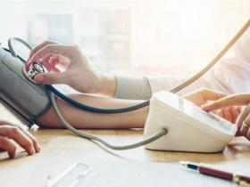 糖友、高血压患者罹患失智症风险高?做对这些事提前防范