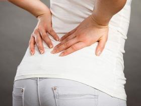 搞懂椎间盘突出、结石、肾虚害你腰痛!中医调理大不同
