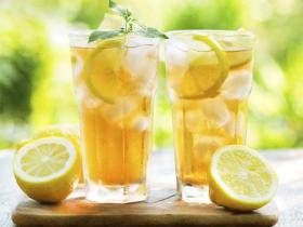 喝水果水能排毒减肥?营养师:柠檬、薄荷、黄瓜3大狠角色