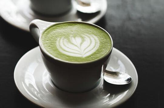 牛奶爱上茶!抹茶拿铁、红茶拿铁,最适合你的是