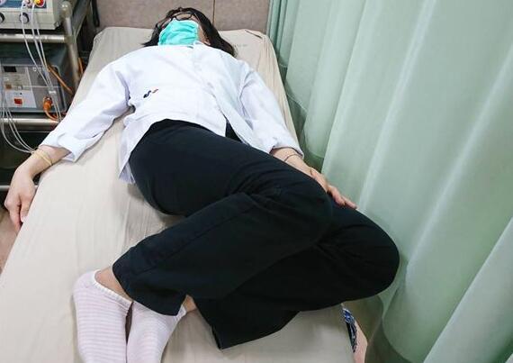 坐太久、翘腿坐骨神经痛找上门