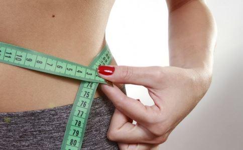 如何才能做到减肥不减胸 哪些瑜伽可以减肥 瑜伽减肥的方法有哪些