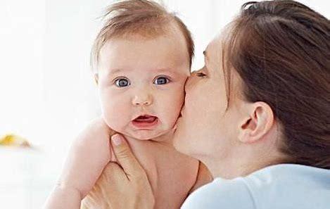 宝宝为什么会吐奶?婴儿吐奶怎么办?