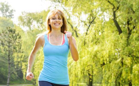每天跑步多久能减肥 每天跑步多长时间可以减肥 跑步多久就能减肥