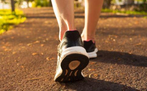 原地跑步能减肥吗 怎么原地跑步减肥 原地跑步减肥方法