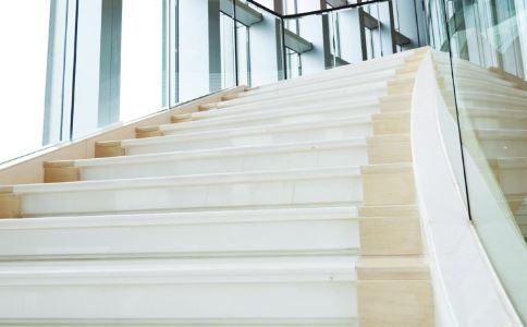 爬楼梯能减肥吗 爬楼梯减肥的正确方法 怎么爬楼梯减肥