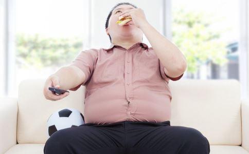 俯卧撑可以丰胸吗 丰胸的食物有哪些 哪些食物可以丰胸